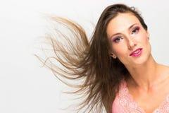 Menina 'sexy' bonita com fluência do cabelo fotografia de stock royalty free