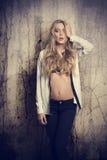 Menina 'sexy' com cabelo longo Foto de Stock