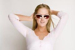 Menina 'sexy' com vidros de sol Imagens de Stock Royalty Free