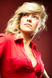 Menina 'sexy' na blusa vermelha Foto de Stock Royalty Free