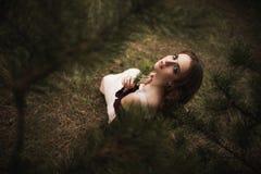 Menina sob a árvore Imagem de Stock Royalty Free