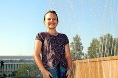 Menina sob a água Foto de Stock Royalty Free