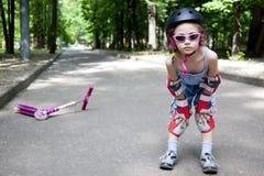 Menina Sportive no parque do verão Fotografia de Stock Royalty Free