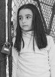 Menina triste e scared fotografia de stock