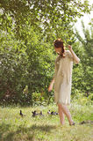Menina ucraniana bonita no jardim Fotografia de Stock Royalty Free