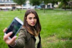 Menina urbana selfie2 Imagens de Stock