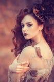 Menina vermelha do cabelo no outono Imagem de Stock Royalty Free