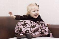 Menina Well-dressed. Imagens de Stock