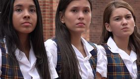 Meninas adolescentes sérias foto de stock
