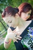 Meninas bonitas no parque fotografia de stock