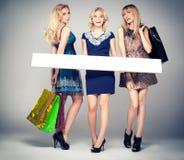 Meninas bonitas 'sexy' que levantam no estúdio Imagens de Stock Royalty Free