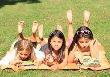 Meninas com ábacos imagens de stock royalty free
