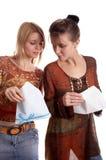 Meninas com envelope Fotografia de Stock Royalty Free