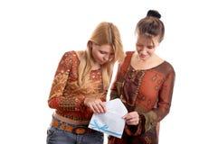 Meninas com envelope imagens de stock