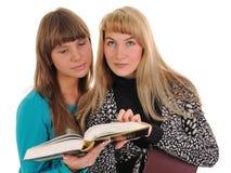 Meninas com livro foto de stock royalty free