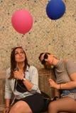 Meninas com os balões Fotos de Stock Royalty Free