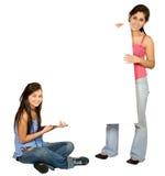 Meninas com uma placa branca Imagem de Stock