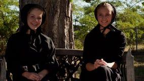 Meninas de Amish Fotos de Stock Royalty Free