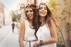 Meninas de Boho na rua Foto de Stock Royalty Free
