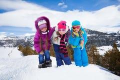 Meninas de caminhada bonitos Imagem de Stock Royalty Free