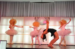 Meninas de dança fotos de stock
