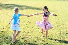 Meninas de dança Fotos de Stock Royalty Free