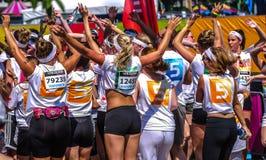 Meninas de dança na cor corrida em Zwolle Imagens de Stock