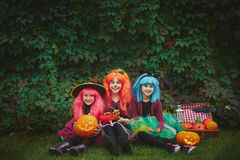 Meninas de Dia das Bruxas fotografia de stock