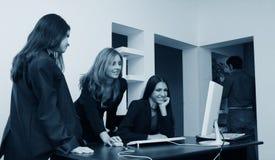 Meninas de escritório Fotos de Stock Royalty Free