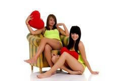 Meninas de relaxamento do adolescente imagens de stock royalty free
