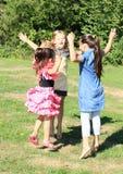 Meninas de salto Imagens de Stock Royalty Free