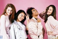 Meninas diferentes da nação com o diversuty na pele, cabelo Asiático, varredura fotos de stock royalty free