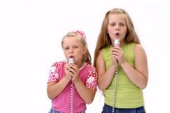 Meninas divertidos encantadoras Fotos de Stock