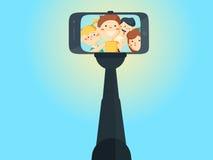 Meninas e meninos novos da escola do adolescente dos tiros de Selfie Imagens de Stock Royalty Free