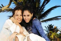 Meninas em férias da praia Imagem de Stock Royalty Free
