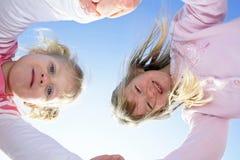 Meninas felizes. Imagem de Stock
