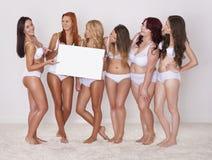 Meninas felizes da beleza Fotografia de Stock Royalty Free