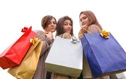 Meninas felizes que fazem a compra Foto de Stock