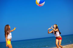Meninas na água Fotos de Stock Royalty Free