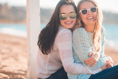 Meninas na praia Foto de Stock Royalty Free