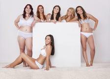 Meninas naturais felizes Fotos de Stock