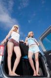 Meninas no carro Fotografia de Stock