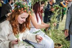 Meninas no feriado dos plenos verões Fotos de Stock Royalty Free
