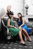 Meninas no interior luxuoso Fotografia de Stock Royalty Free