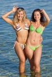 Meninas no mar Imagens de Stock