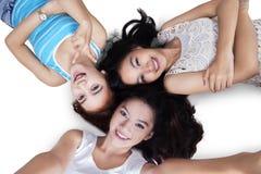 Meninas ocasionais atrativas que tomam o autorretrato Foto de Stock Royalty Free