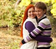 meninas que andam no parque do outono Imagem de Stock Royalty Free