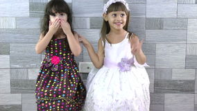Meninas que enviam beijos video estoque