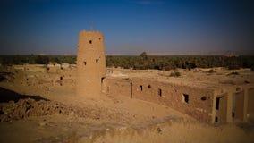 Mening aan de berg van Gabal Dakrour in Siwa-oase, Egypte stock fotografie