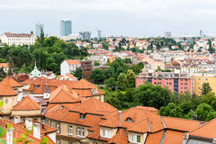Mening aan de rode daken en de huizen van Vysegrad in Praag Royalty-vrije Stock Afbeeldingen